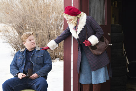 "FARGO -- ""Before The Law"" -- Episode 202 (Airs October 19, 10:00 pm e/p) Pictured: (l-r) Jesse Plemons as Ed Blumquist, Kirsten Dunst as Peggy Blumquist. CR: Chris Large/FX"