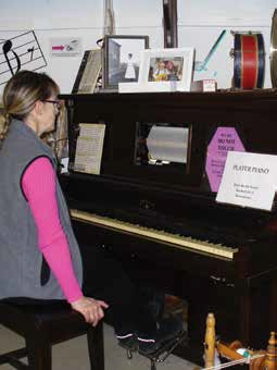 player-piano-rocky-mountain-house-museum-and-visitor-centre